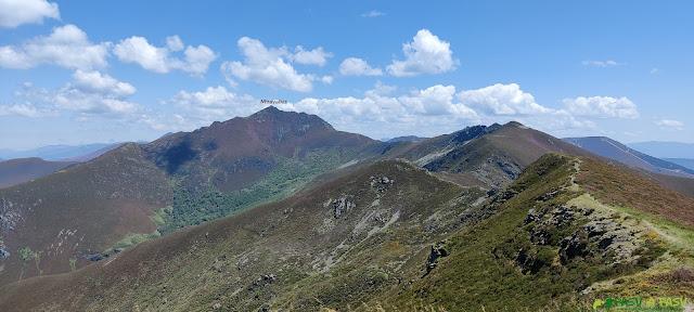 Vista camino al Miravalles desde Ancares