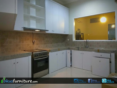 Kitchen set putih