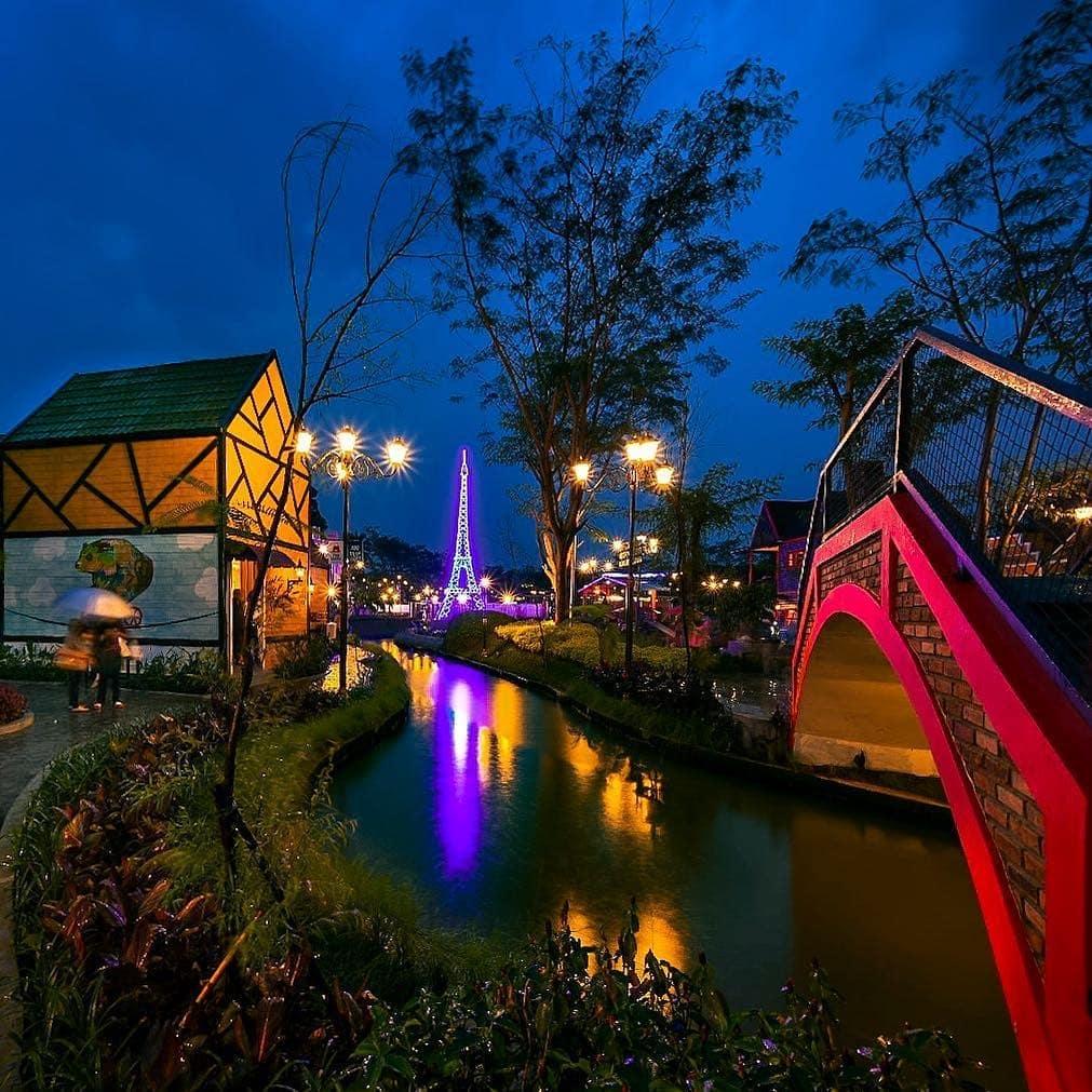 Lokasi Dan Harga Tiket Masuk Kampung Eropa Devoyage Bogor