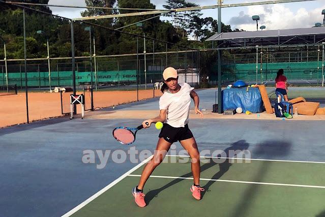 Libas Andalan Tuan Rumah, Audrey Wijono Melenggang ke Perempat Final Singapore ITF Junior Championship (II) 2021