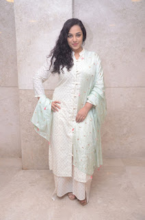 nitya menon at 100 days of love audio launch