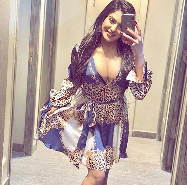 Yasmina Saleh Hot