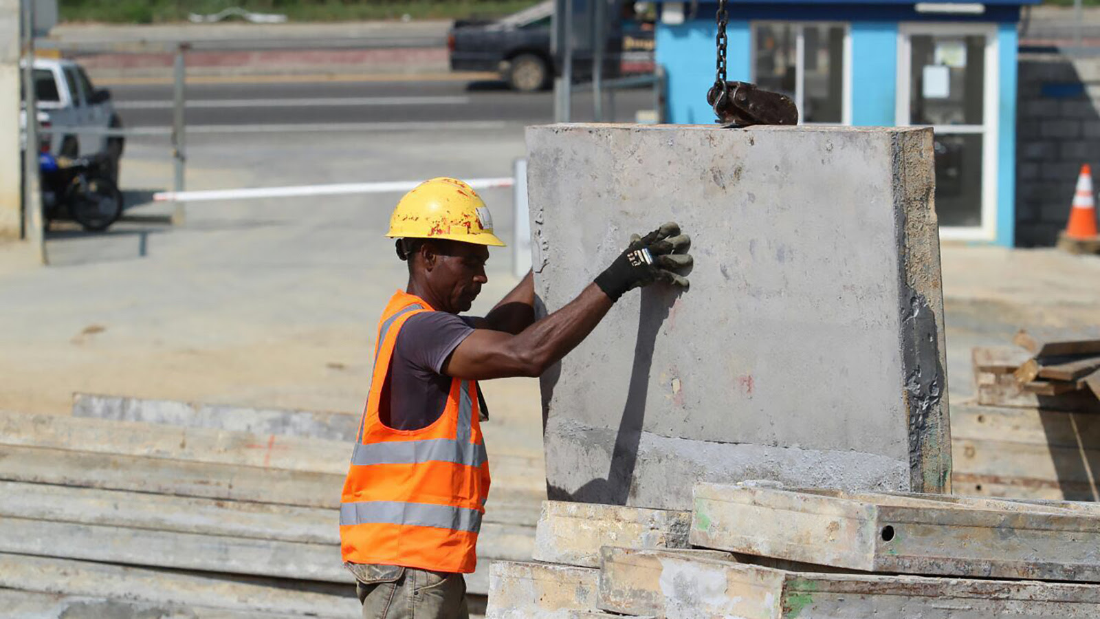 300 personas ganan sustento en construcción de la planta de tratamiento Mirador-La Zurza