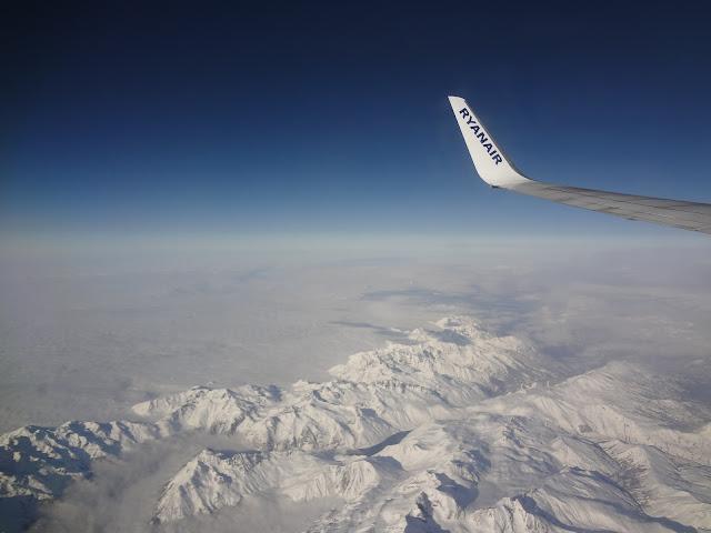 Montañas nevadas desde el avión