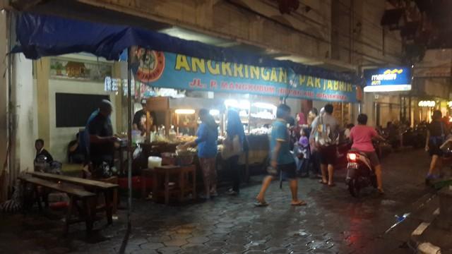 Angkringan Pak Jabrik, Pilihan Wisata Angkringan di Yogyakarta