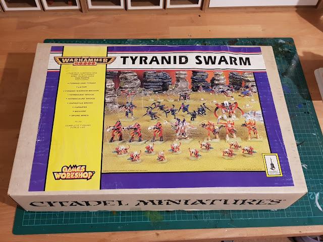 Tyranid Swarm - Front Sleeve
