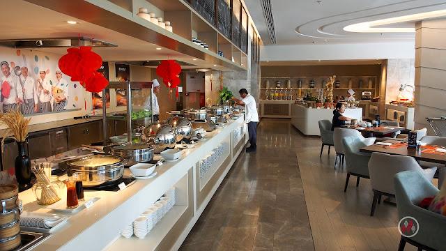 AMOR Restaurant - Breakfast Novotel Phuket Phokeethra