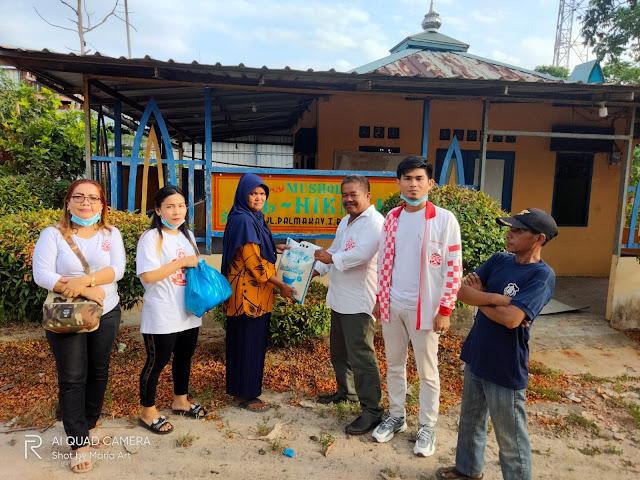 DPW Solmet Kepri Bagikan Paket Sembako Kepada Penjaga dan Petugas Kebersiahan Masjid
