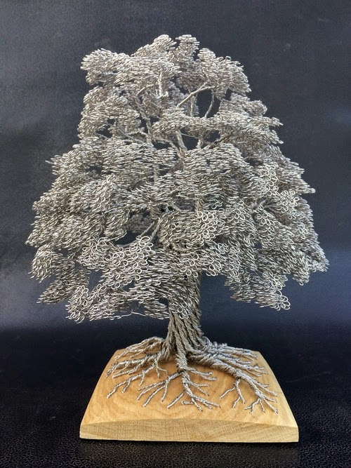 12-Clive-Maddison-Small-Wire-Tree-Sculptures-www-designstack-co