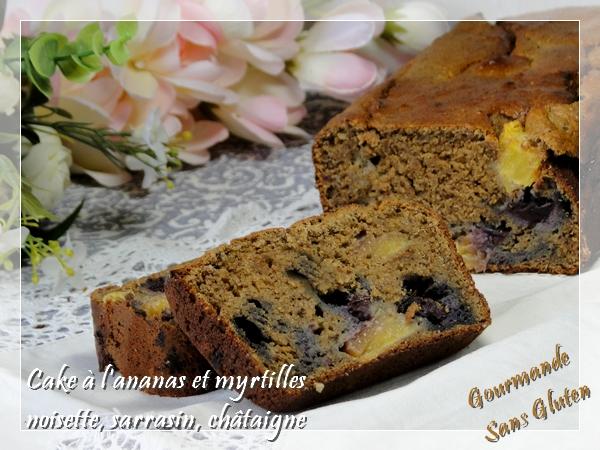 Cake à l'ananas, myrtilles, noisettes, sarrasin et châtaigne sans sucre ajouté