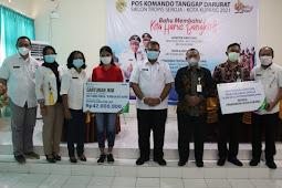 Toto Suharto Serahkan Bantuan Sosial dari BPJamsostek ke Korban Seroja dan Ahli Waris di Kota Kupang