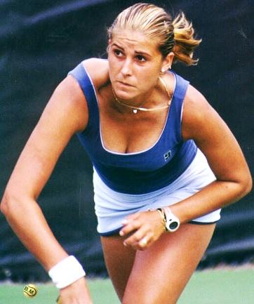 Foto de María Sánchez Lorenzo jugando tenis