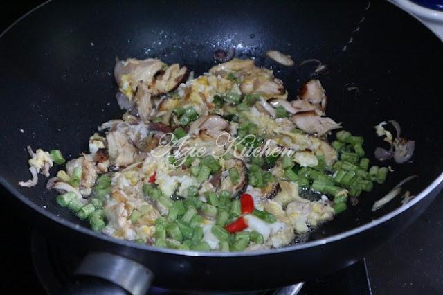 Nasi Goreng Nasi Ayam Yang Teramat Sedap