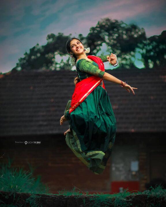 Malayalam actress Meenakshi Dinesh Saree Stills