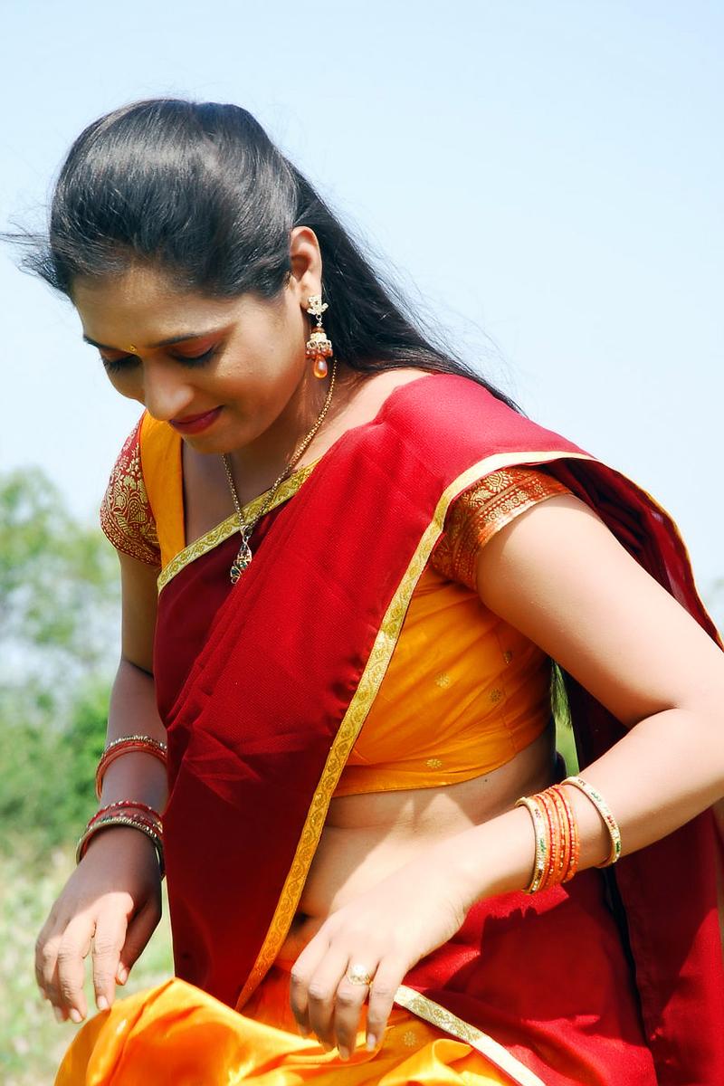 Geetha Pallavi Hot Spicy Navel In Red Half Saree South Actress