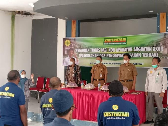 Dinas Peternakan dan perkebunan Pinrang Gelar Pelatihan Pengolahan dan Pengawetan Pakan Ternak