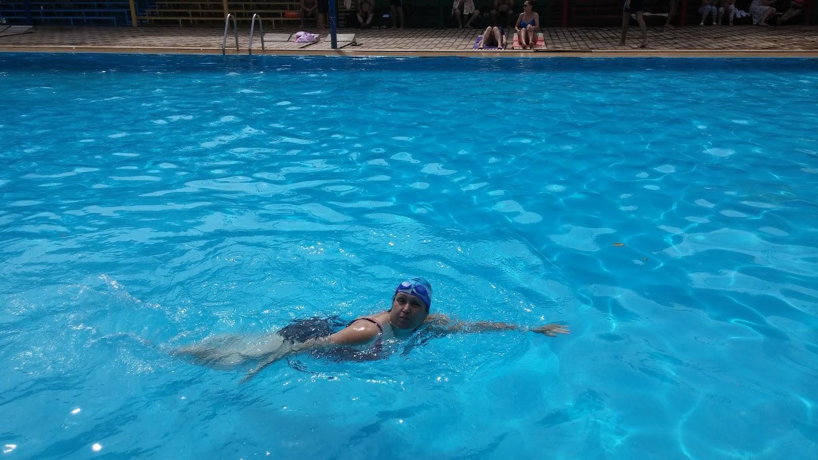 все идем в бассейн без одежды фото очень