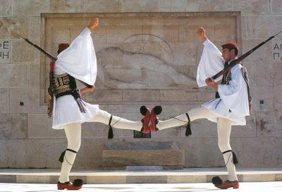 Αποτέλεσμα εικόνας για ελληνας ηρωας τσολιας
