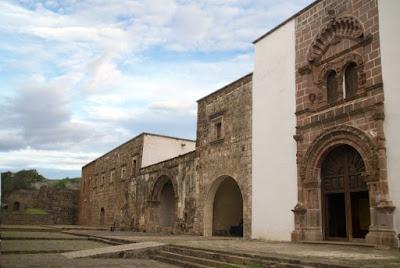 Antiguo Convento Franciscano de Santa Ana en Tzintzuntzan, Michoacán