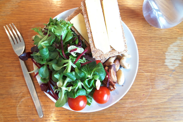 Sugar Free Lunch - Ryvita, Cheese, Salad and Mixed Nuts