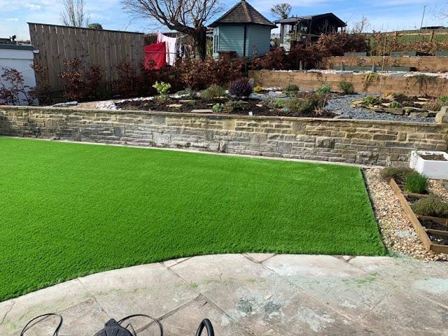 garden with artifical grass