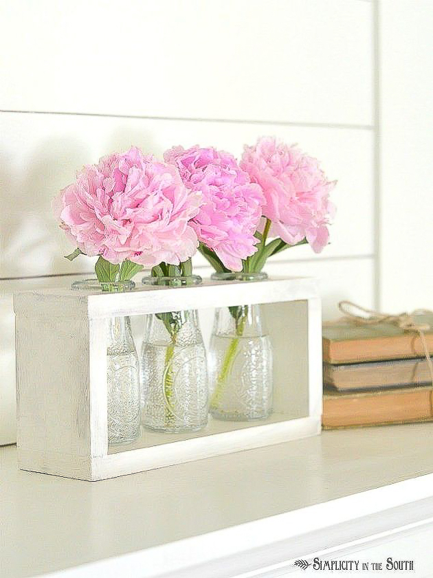 Turn Dollar Tree bottle into a beautiful farmhouse bud vase holder