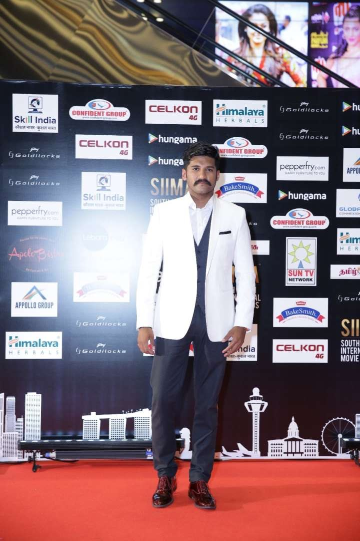 Vijay Yesudas picked up the Best Male Singer Malayalam award for Malare from Premam