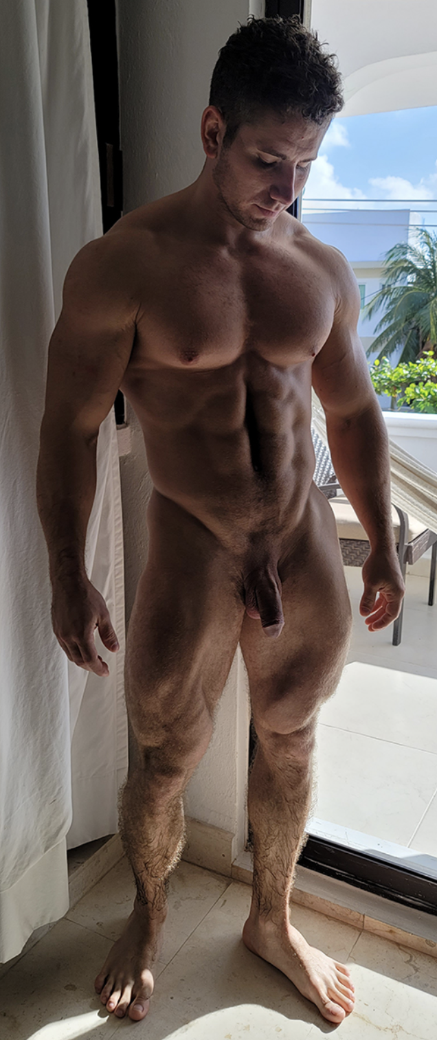 Exhibitionist male The Naughty
