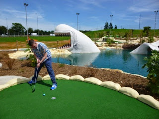 Minigolf Explorer Richard Gottfried playing Moby Adventure Golf course in Chadwell Heath, Romford in June 2014