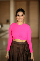 Anchor Manjusha Latest Stills HeyAndhra.com