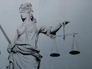 Direito do Consumidor - Produto cm defeito
