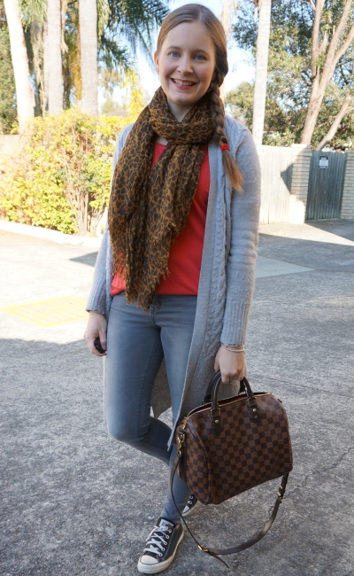 red tee with skinny jeans converse grey maxi cardigan louis vuitton speedy bag | awayfromblue