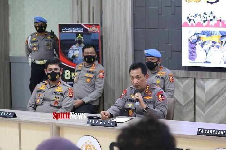 Gelar Jumpa Pers, Kapolda Sulsel Mendampingi Kapolri Pasca Bom Bunuh Diri
