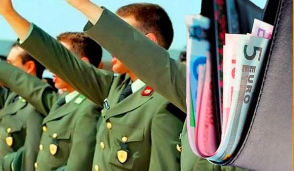 Αυξήσεις μέχρι 100 ευρώ μηνιαίως θα λάβουν 16.000 στρατιωτικοί