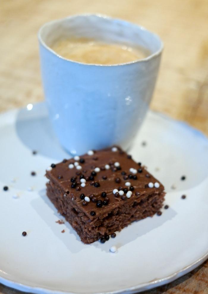 kahvi ja mokkapalat