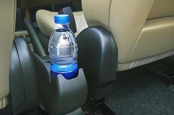 Menurut penelitian Fakta atau mitos air minum dalam mobil apakah berbahaya