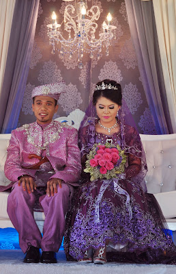 baju pengantin dark purple ala princess