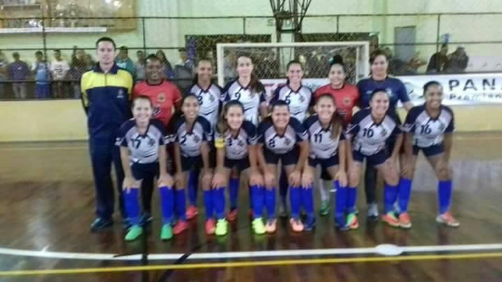 Equipes feminino e masculino de Futsal de Cerquilho f933a6642fea9