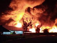 Kebakaran Pabrik Plastik di Purwakarta