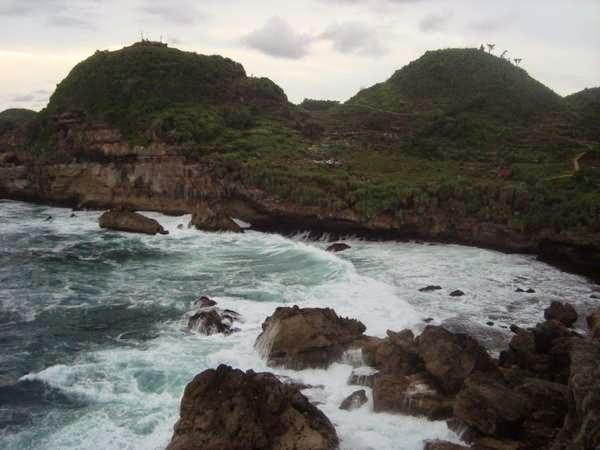 Wisata Pantai Sembukan di Wonogiri Jawa Tengah Tempat Wisata Terbaik Yang Ada Di Indonesia: Wisata Pantai Sembukan di Wonogiri Jawa Tengah