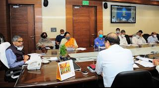 मुख्य सचिव ने दिया अधिकारियों को आदेश, लंबित परियोजनाओं को तेजी से पूरा किया जाय