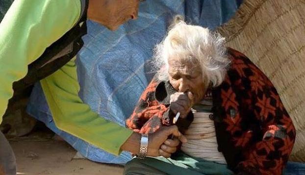 Usia Nenek Ini 112 Tahun Isap 30 Batang Rokok Per Hari, Pesannya Pada Perokok Berat Ini Sungguh Tak Terduga