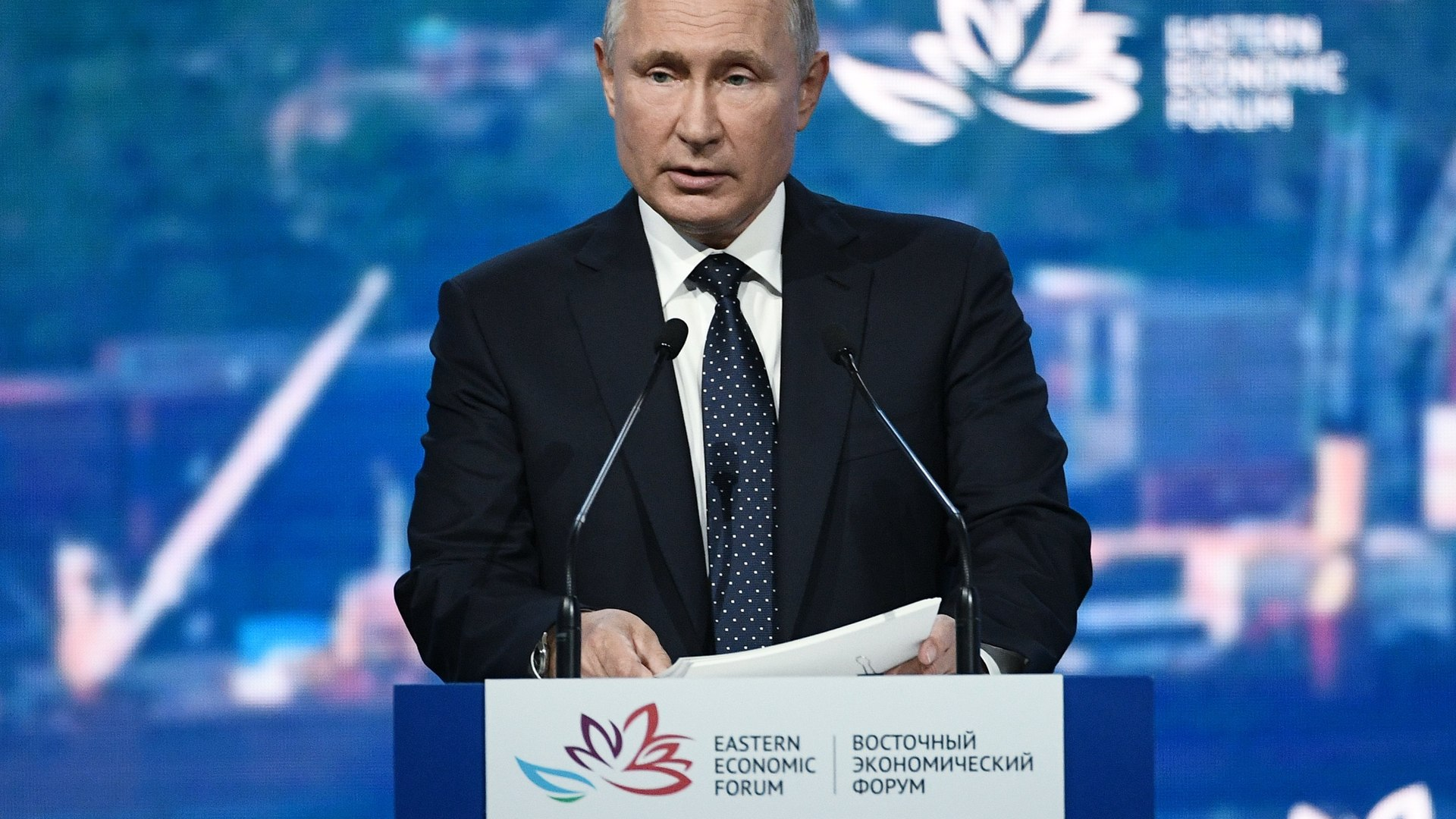 Rússia anuncia registro da 1ª vacina contra coronavírus; filha de Putin foi vacinada