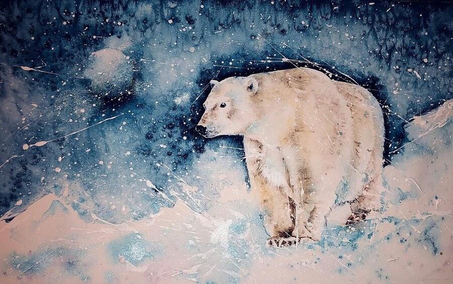 09-Polar-bear-on-a-walkabout-Sue-Ayres-www-designstack-co