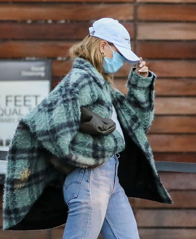 Hailey Bieber,Justin Bieber  Shopping at Maxfield in West Hollywood 15 Dec-2020