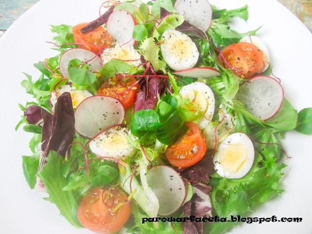 mix sałat z warzywami