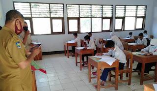 Sebanyak 62 Siswa SMPN 1 Donggo Mengikuti Ujian Tatap Muka