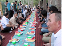 China Halangi Muslim Xinjiang Jalani Puasa Ramadan