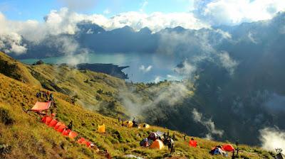 Plawangan Sembalun Crater Rim 2639 meters Mt Rinjani
