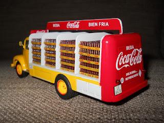 camion antiguo de coca-cola